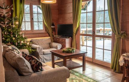 Leśne uroczysko Bieszczady - dom z bali na wynajem